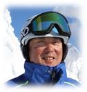 ZAOフライツァイトシーシューレ(スキースクール)校長の越後達也先生の写真